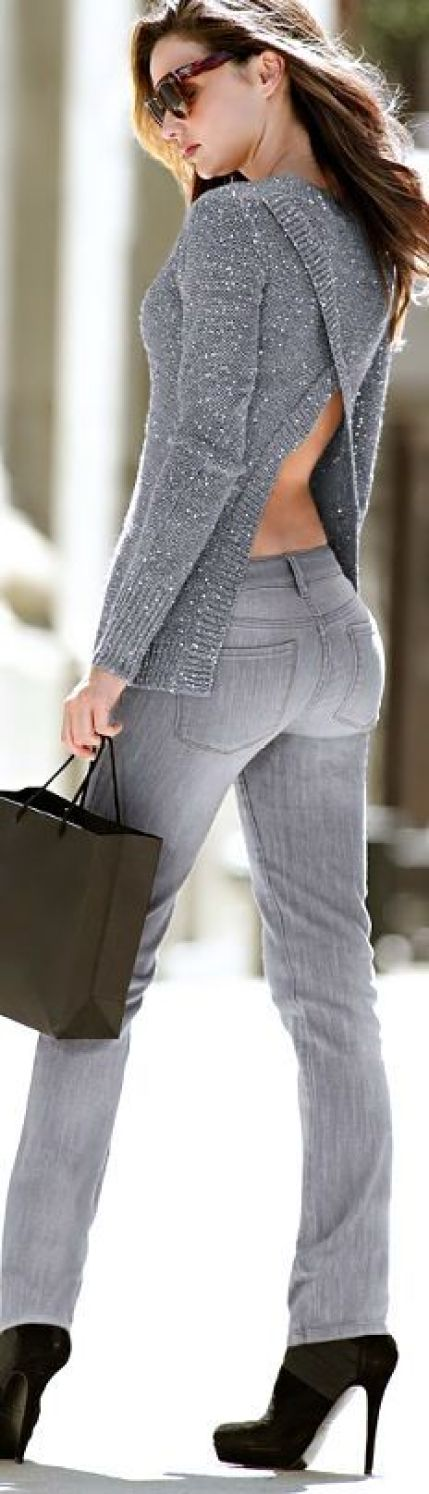 Grey gorgeous sweater and grey pants with black high heels: