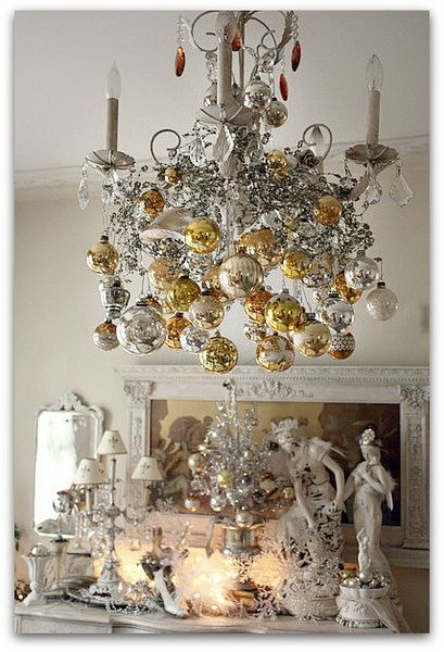 A Whole Bunch Of Christmas Chandelier Decorating Ideas