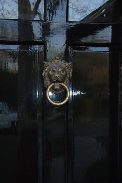 classic black door -- love the high gloss shine: