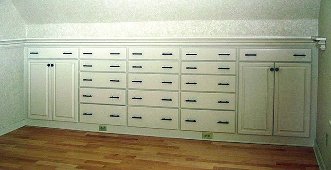 Pic 1. Drawers And Cabinets Are Built In To The Knee Wall