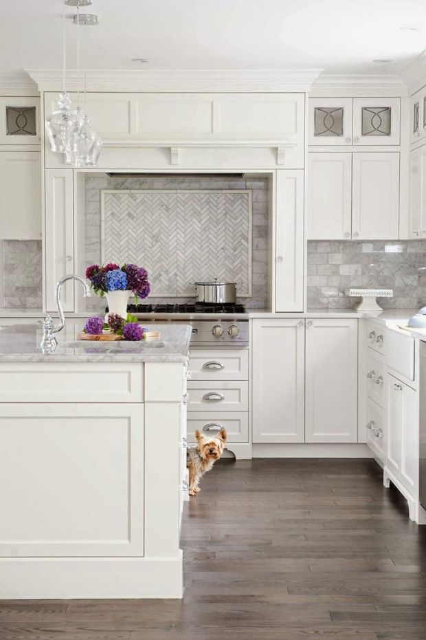 Grey marble backsplash:
