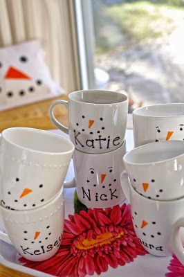 snowman sharpie mugs, perfect for my MOM for all of us kids at Christmas. We sure do enjoy our hot chocolate & these are too cute