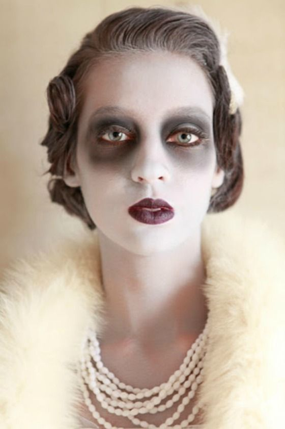 10 More Vintage Inspired Halloween Costumes | The Glamorous Housewife