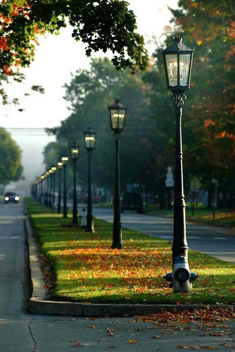 Id Love To Live In A Neighborhood Where Real Old Gas Lamps Lit The Streets Lovely Home