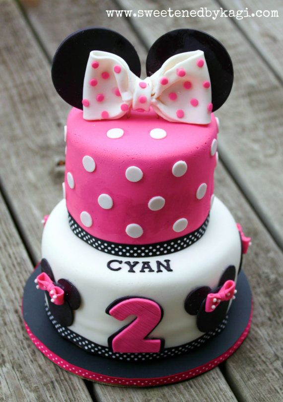 Minnie Mouse Fondant Cake Decorations By Sweetenedbykagi