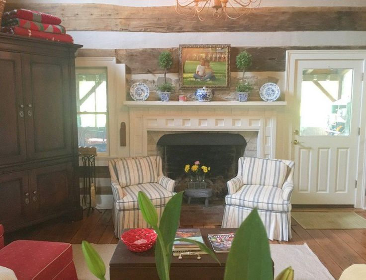 the best colors for a log cabin interior home tours on best interior color schemes id=79267