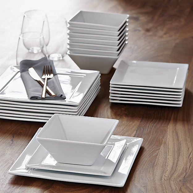Best 20 Dinner Plates Ideas On Pinterest White Gold Kitchen Dishes And China Dinnerware Sets
