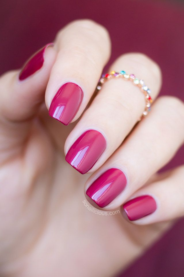 How Important Manicure Actually Is? What a beautiful color!