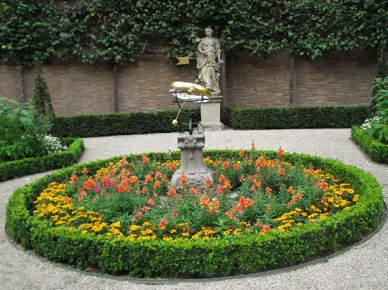circular flower garden designs 1000+ images about circular garden ideas on Pinterest