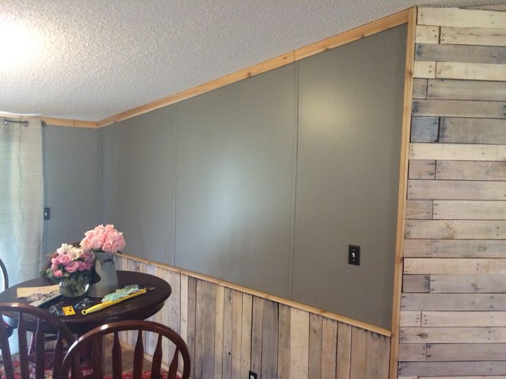 White Washed Pallet Accent Wall And Wainscoting Cedar