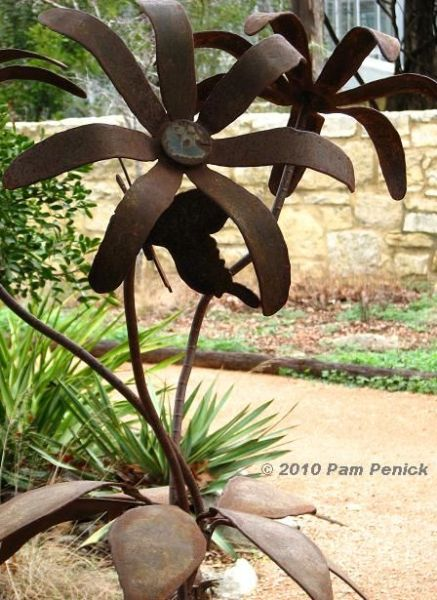rusty metal flowers garden art Best 20+ Metal garden art ideas on Pinterest