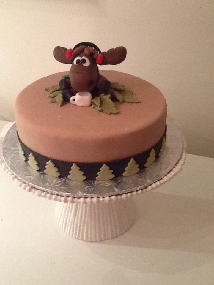 Moose Themed Cake With Fondant Moose Cakes Pinterest