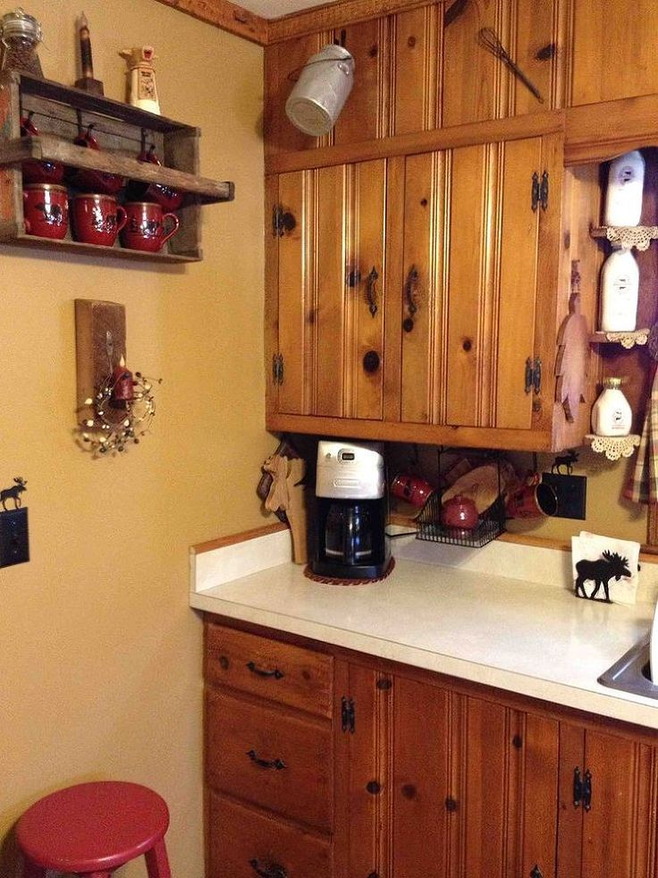 What Color Should I Paint My Kitchen Cabinets Knotty Pine Kitchen Diner Kitchen And Paint