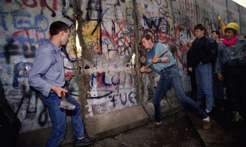 17 best images about the fall of the berlin wall on on berlin wall id=75751