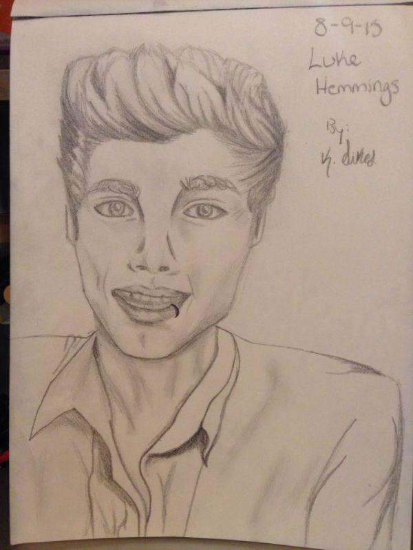 Pencil drawing of Luke Hemmings, lead singer of 5SOS. | My ...