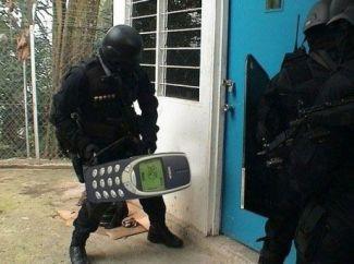 DziNS4u : le meilleur du High tech réuni 1dd83d4dbc500d03c87a9e434658acd6--swat-bricks Guide de choc complet pour acheter le meilleur smartphone antichoc en 4 points