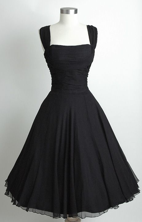 I absolutly love this dress!!! HEMLOCK VINTAGE CLOTHING : Saks Fifth Avenue Ruch