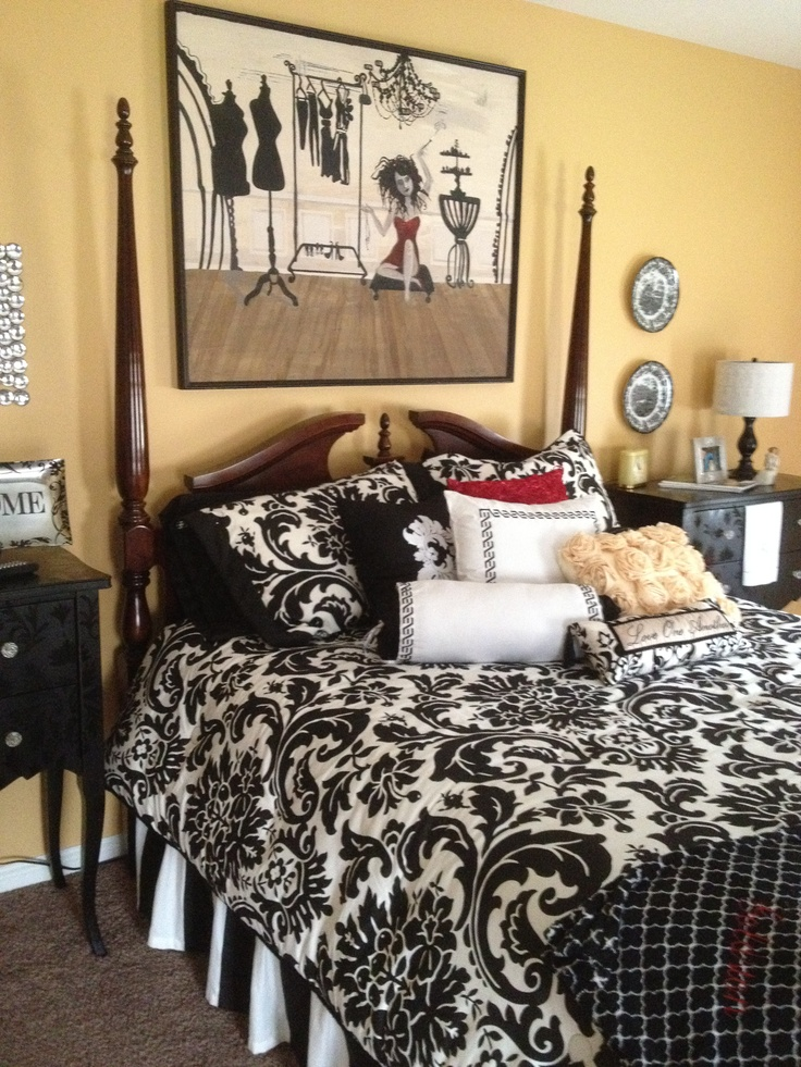 See our 20 favorite small bedrooms. 94 best images about Black and White Bedding on Pinterest