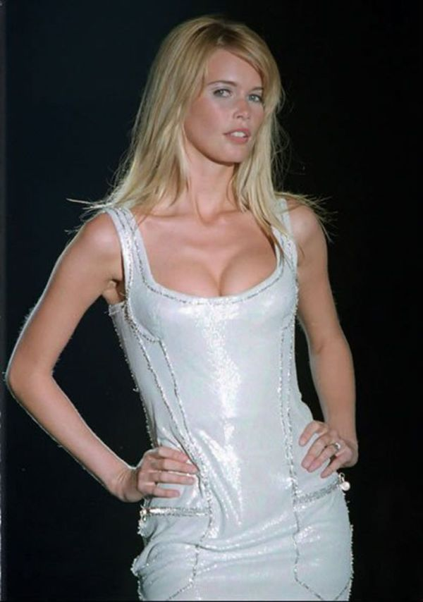 1000+ images about ♥ Claudia Schiffer ♥ on Pinterest ...
