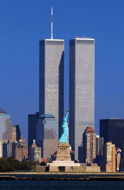 Twin Towers. Old view of Manhattan, New York City. | 9/11 ...