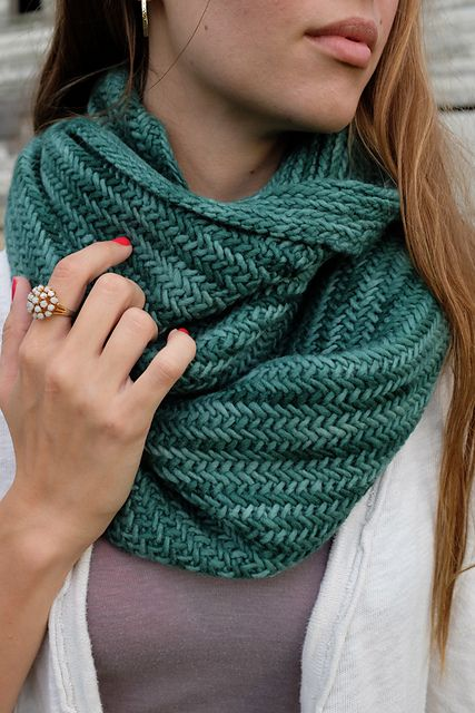 Whits Knits: Big Herringbone Cowl – The Purl Bee – Knitting Crochet Sewing Embroidery Crafts Patterns and Ideas!