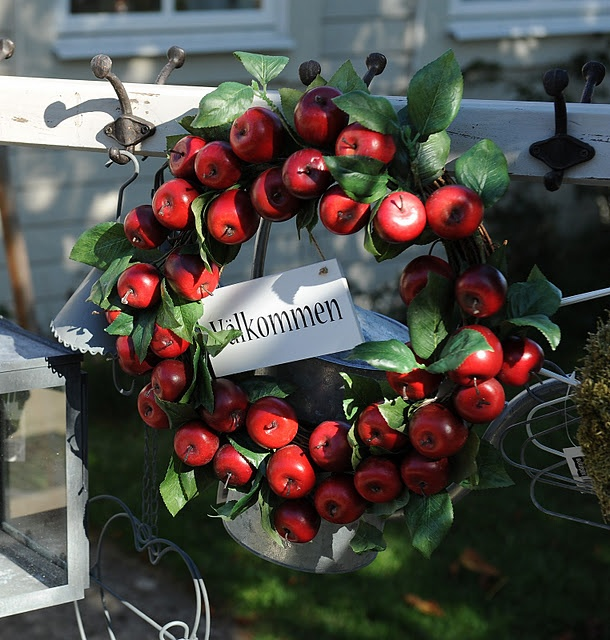 17 Of 2017s Best Apple Wreath Ideas On Pinterest Fall