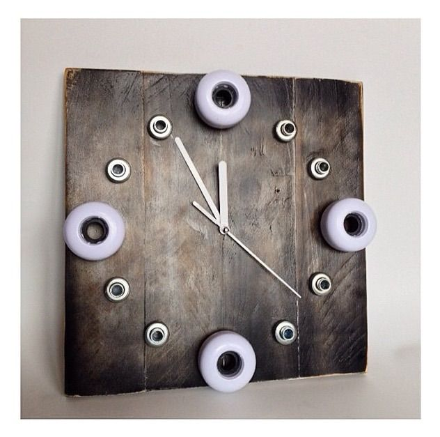 How To Make A Time Skate Clock With Recycled Skateboards And Pallet Wood