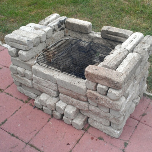 17 Best images about diy brick bbq grill ideas on Pinterest on Diy Bbq Patio id=38943