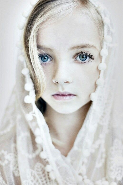 Little girl with blue eyes portrait Face | Eyes Around the ...