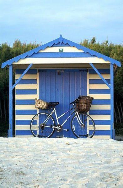 25 Best Ideas About Wooden Playhouse On Pinterest
