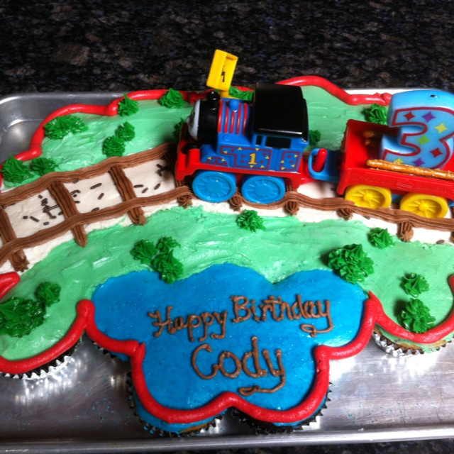 73 Best Images About Thomas Train Cakes On Pinterest