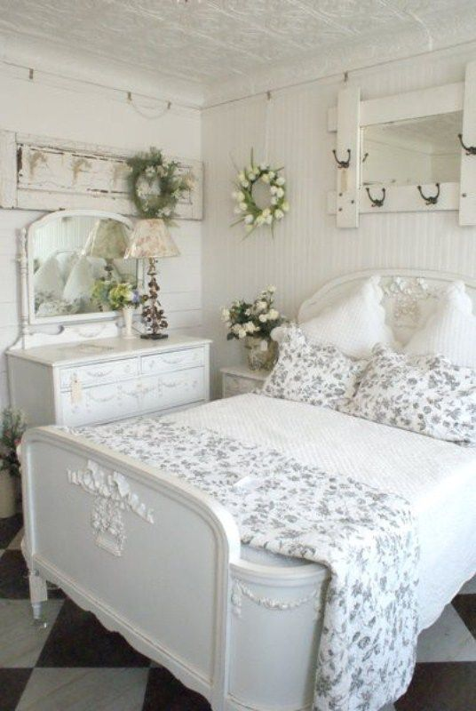 25 Best Ideas About Cottage Style Bedrooms On Pinterest Cream Bathrooms And White
