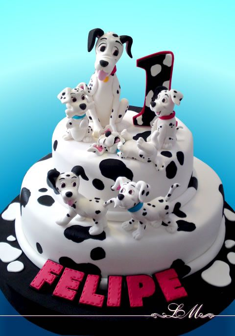 101 dalmatians cake- my future child will be forced to have dalmatian themed parties and whatever else.