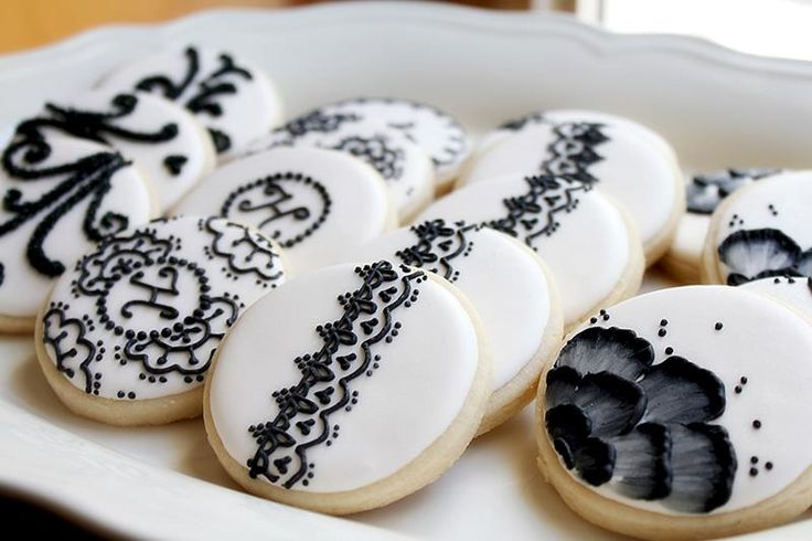 Amazing Cookie Art 10 Ivory And Black Wedding Cookies