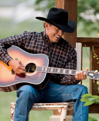 Theres no one like the King nor will there ever be! I have met George Strait twi