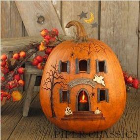 Ghoulish Greetings – Lit House Pumpkin