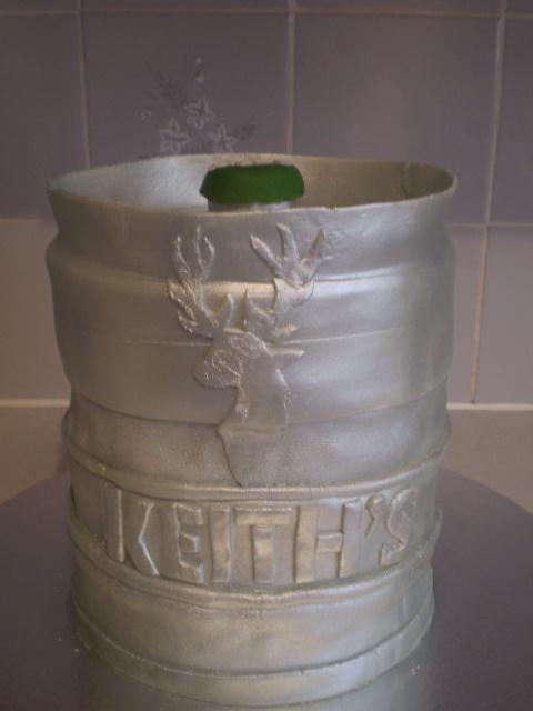 Beer Keg Cake Cakesgalore Pinterest Beer Cakes And