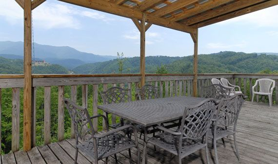 Cornerstone Lodge 6 Bedroom 5 Bathroom Large Group Gatlinburg Cabin Al That Sleeps 23 People Vacation Spots Pinterest Tennessee Vacations And
