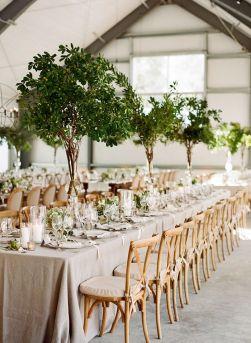 Svadobný stôl vo farbe greenery