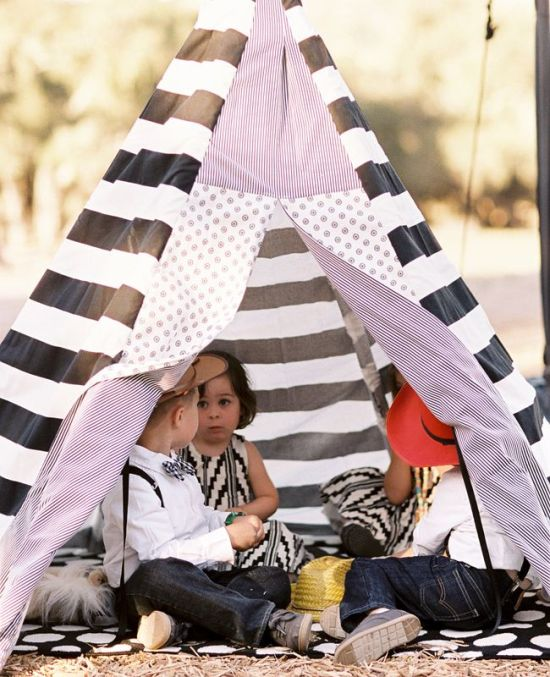 Kids only tent at the wedding  Photo: Braedon Photography // Featured: The Knot Blog