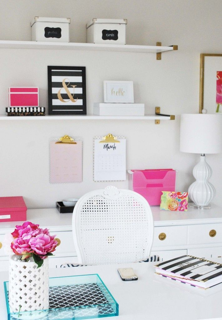 See this home office inspired by Kate Spade with gold, pink and black…easy and inexpensive decor ide