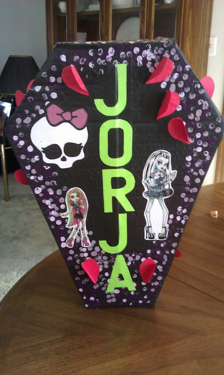 Monster High Valentine Box Shaped Like A Coffin With The