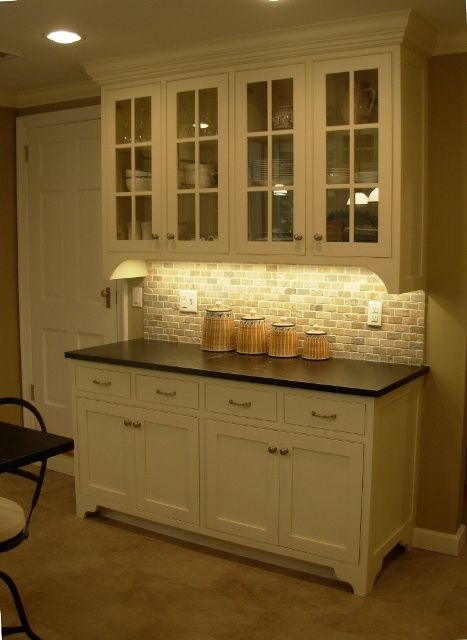nice built in buffet – dining room? I have the perfect wall for this!