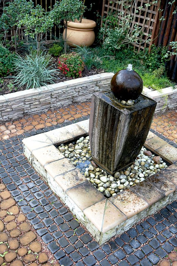 63 best images about GARDENS - WATER FEATURES on Pinterest ... on Small Backyard Water Features id=66176