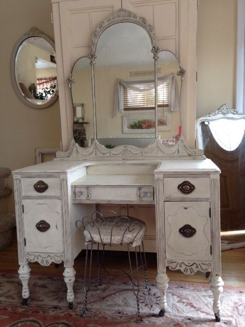 1000 Ideas About Antique Makeup Vanities On Pinterest. Antique Bedroom Vanity   Bedroom Style Ideas