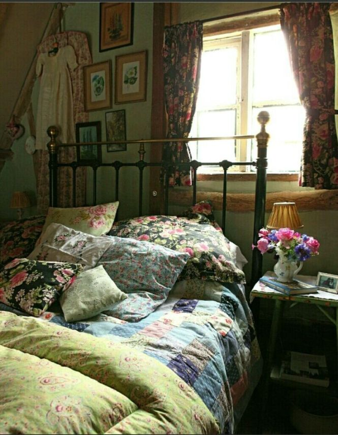 I Imagine This As A Little Bedroom Upstairs Sweet Hideaway For Nap English Cottage Bedroomsenglish Bedroomcountry