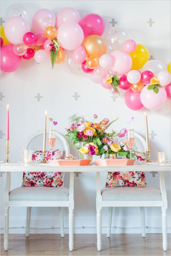 modern pink and gold sweetheart table @weddingchicks: