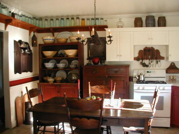 Farm Style Kitchen Design 1900 Farmhouse Kitchen When We Moved In The Bottom Kitchen Cabinets