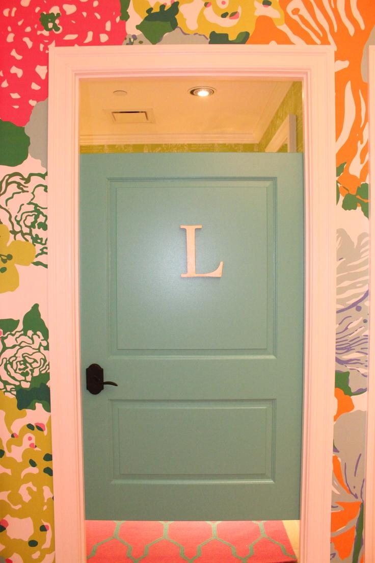 Dressing room door at lilly pulitzer kenwood replicating