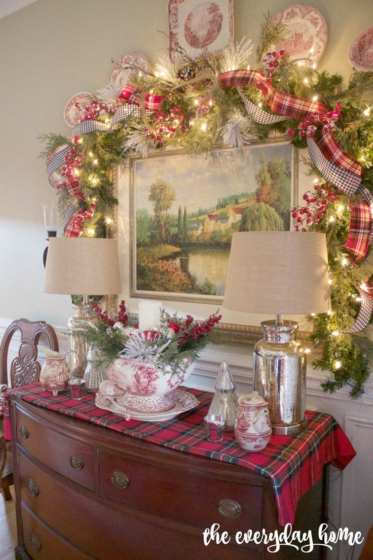 17 Best Ideas About Christmas Dining Rooms On Pinterest Xmas Table Decorations Christmas